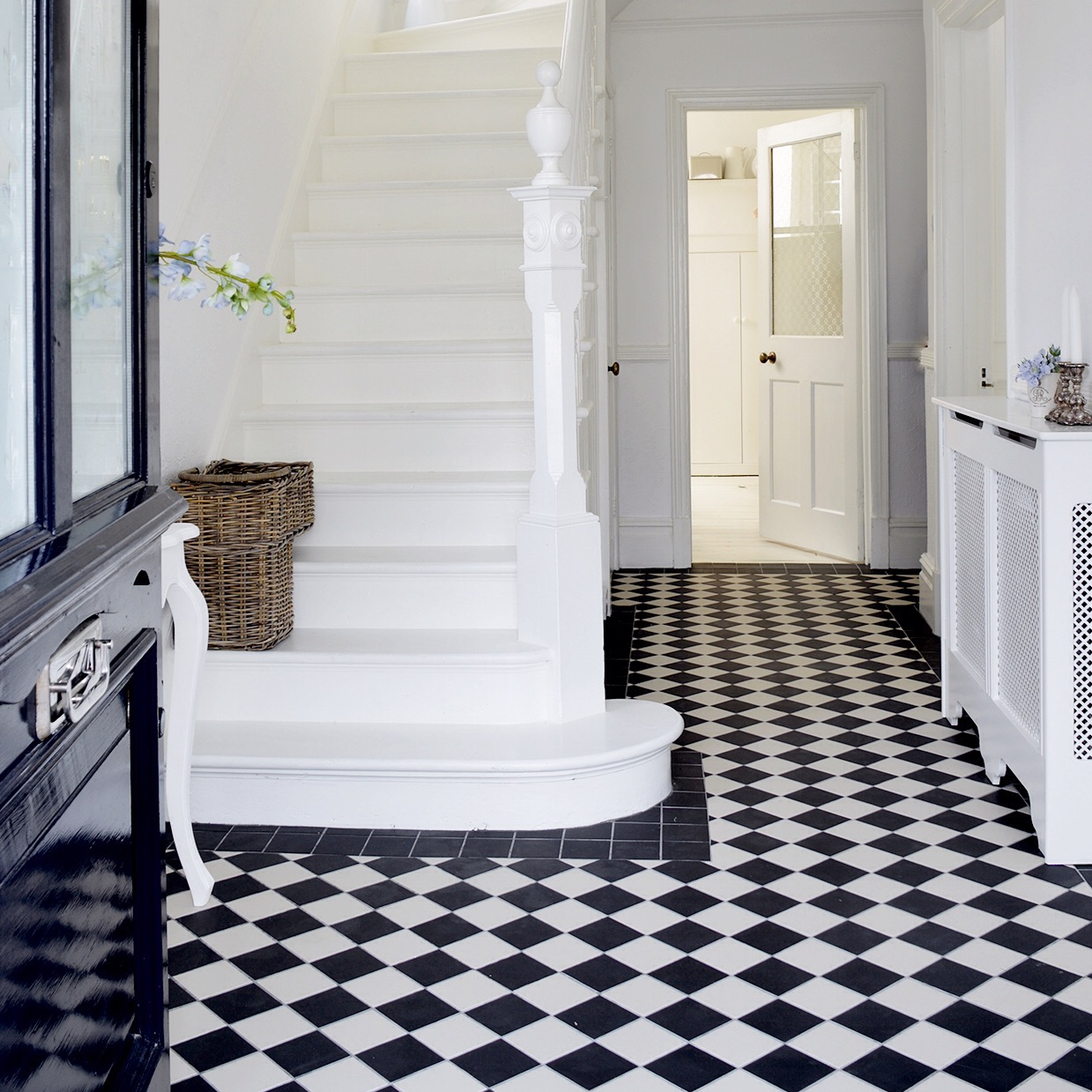Victorian Style Tile Black And White